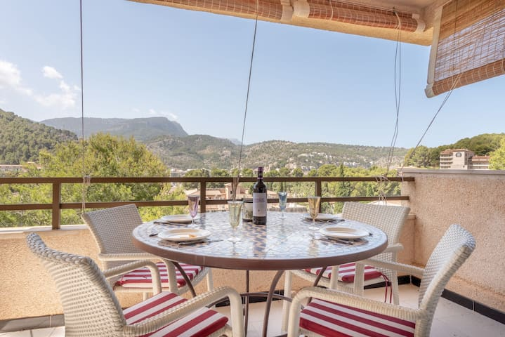 Fantastic Apartment with Mountain View, Terrace and Wi-Fi