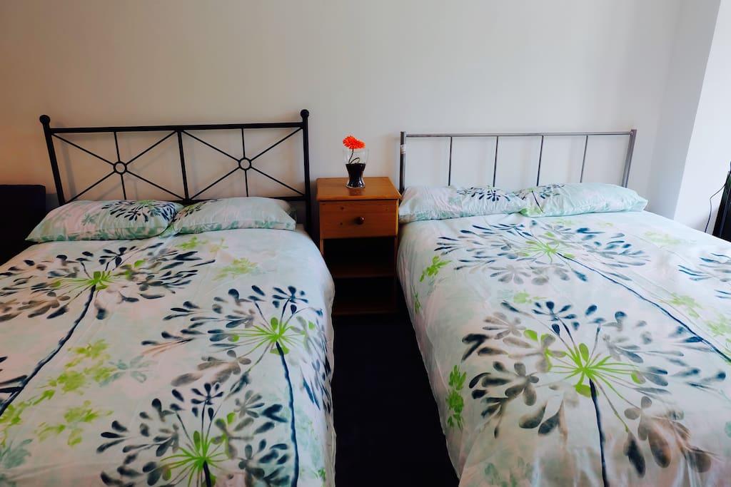 2张舒适双人床