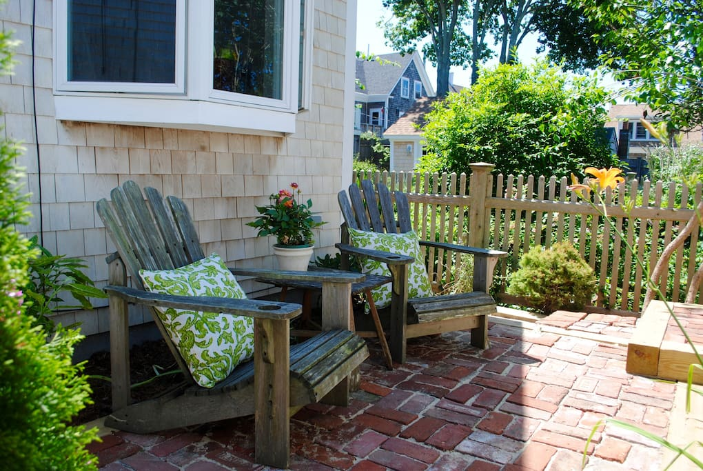 Relax in the patio after a day at the beach or walking Commercial Street.