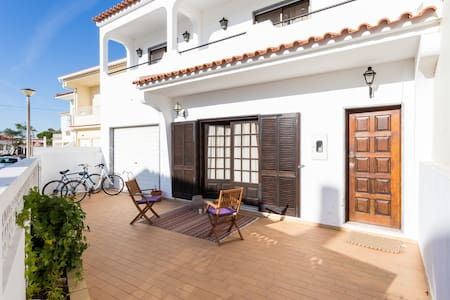 Charming Suite close to Beach