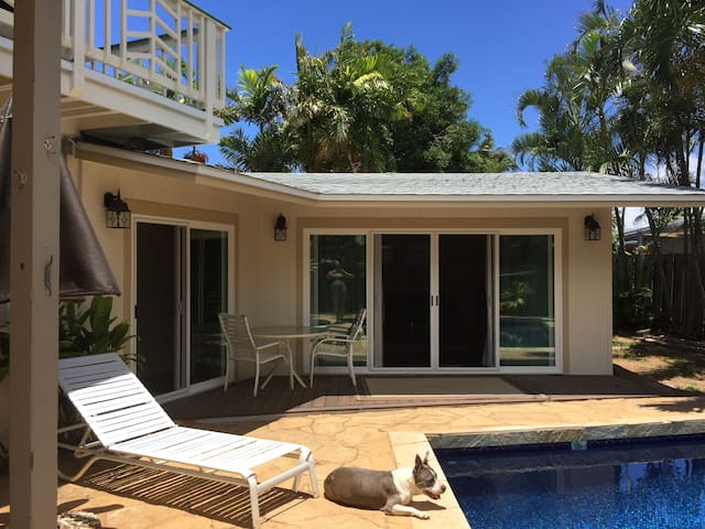 Poolside Brand New One Bedroom - Kailua - House