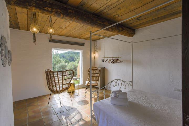Las Mariposas - peaceful oasis in Eivissa.