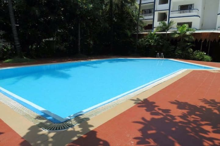 Studio 19 North Goa w/spacious terrace and Pool - Arpora