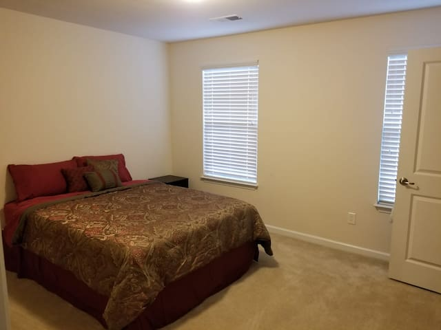 Convenient Greenville/Greer Room and Bath for Rent