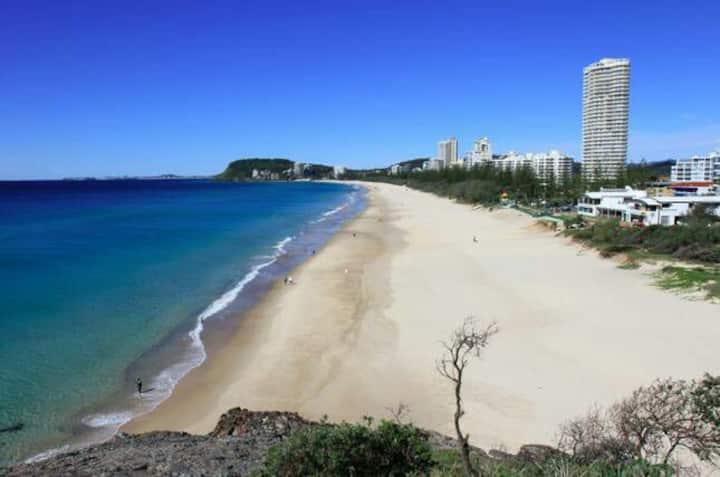 LUXURIOUS BEACH HOME * MOST LOVED☆Walk everywhere!