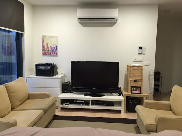 Entire apt for short term stay - Moonee Ponds - Apartment