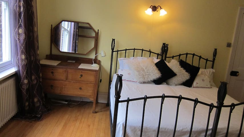 Twin beds can be joined to make a double bed