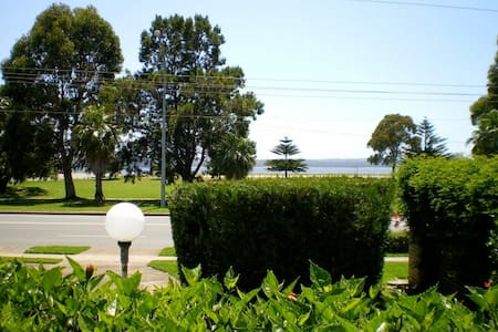 1 Commodore Batehaven Batemans Bay - Batehaven