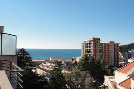 Люкс квартира с видом на море - Petrovac