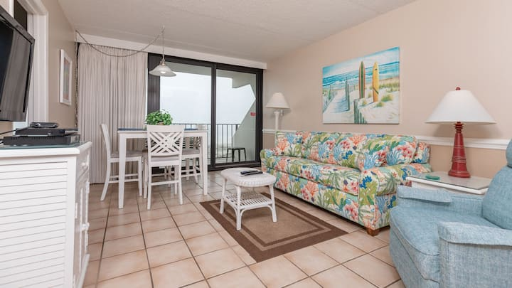 Gulf Front 2 Bedroom - Island Winds East 203