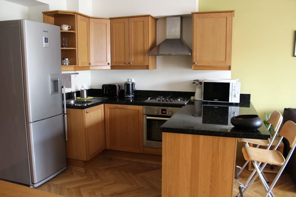 The completely furnished kitchen