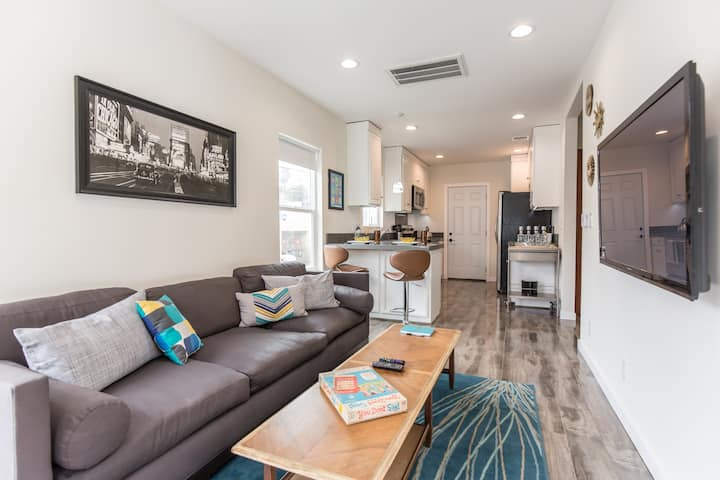 Hip Silverlake House➹Parking➹Walkable➹Central Air