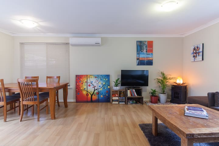 Room close to beach and CBD - Wembley Downs - House