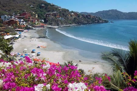 beach front room 2 beds ac kitchen - Zihuatanejo