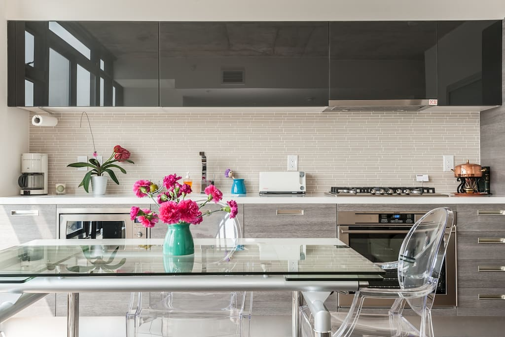Lots of natural light and a spectacular view fill this kitchen.