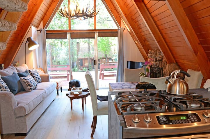 Peaceful Retreat, AFrame Ski Chalet - Big Bear Lake - Dom