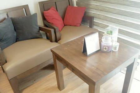 nice comfy affordable place - Eungbong-dong, Seongdong-gu (성동구 응봉동) - Huoneisto