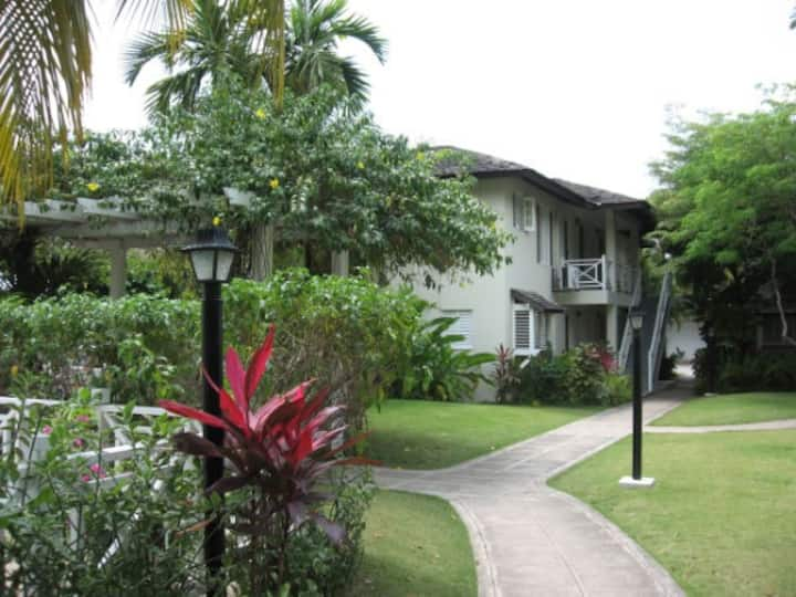 Secure 2/2 garden condo in New Kingston