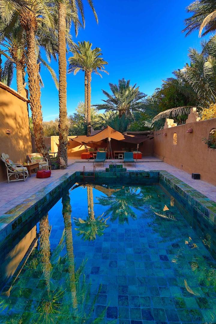 Riad Traditionnel en Terre dans l'Oasis du Drâa