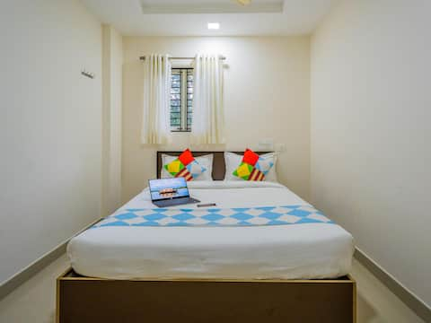 OYO - Modern Interior Equipped Room Near Kochi Airport - Discounted