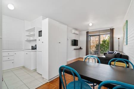 Pronto Apartments 1-bedroom Garden/Balcony