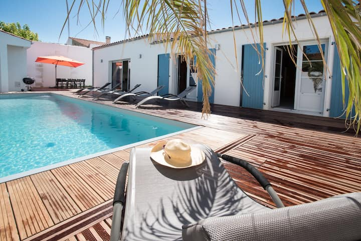 Villa 5***** avec piscine chauffée