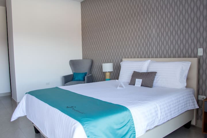 MGR&V Apto. 2 dormitorios incluye 4 desayunos