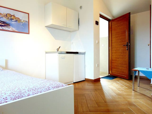 APARTMENT NEAR THE SEA 8 - Pomer - Appartement