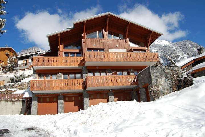Splendid Home in Champagny-en-Vanoise with Lift