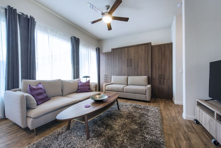 Sunny & Chic Studio! - Close to DT! - National City - Apartemen