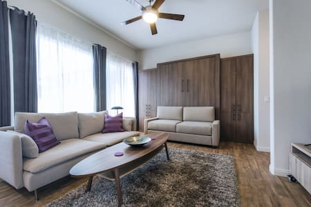 Sunny & Chic Studio! - Close to DT! - National City