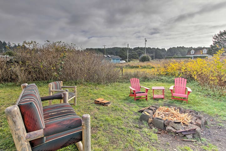 Enjoy all the perks of this 3-person studio, including a shared fire pit!