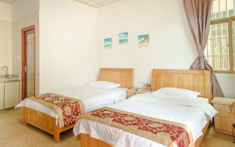【鹿耳】惠州105大亚湾霞涌黄金海岸海滩海边海景1.2米双床房