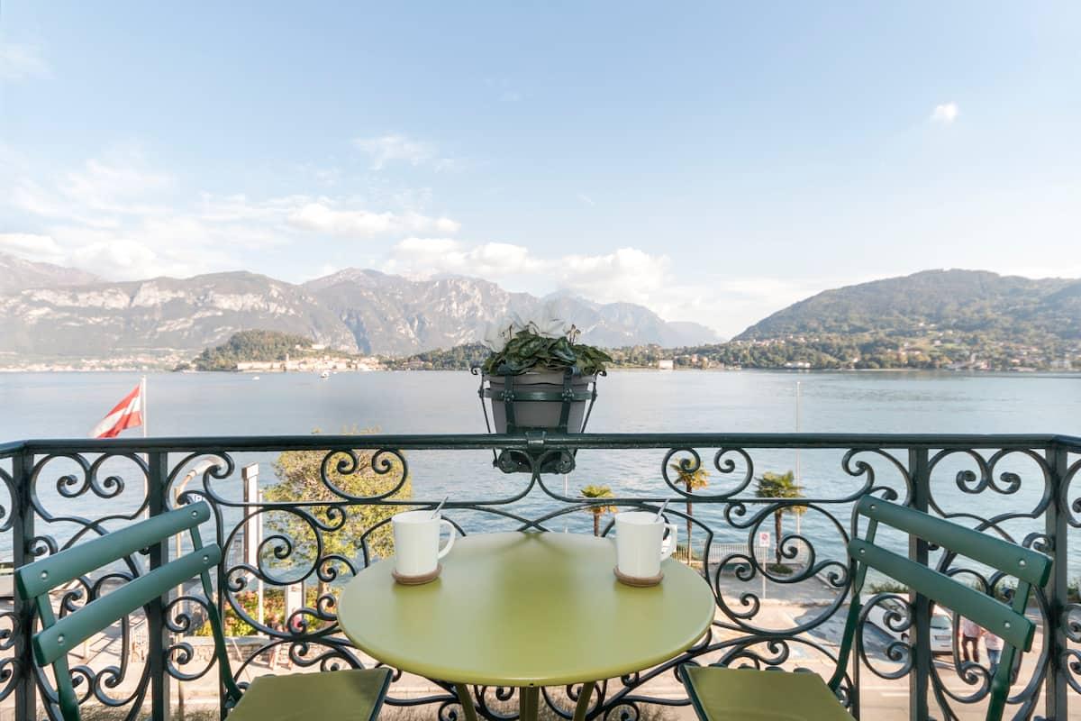 Appartamento di design in una casa fine '800 ammirando Bellagio
