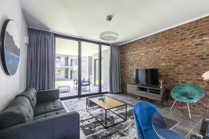 Ulo at Atholl Gate   Hip Luxe 2 BR in Sandton City