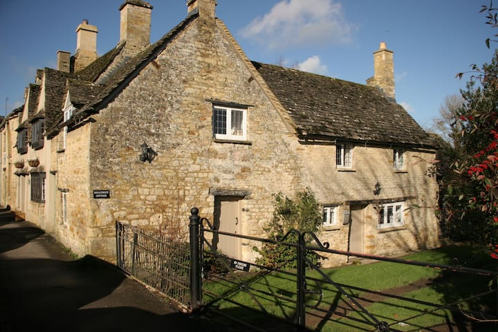 Hollyhock Cottage - Burford - Casa