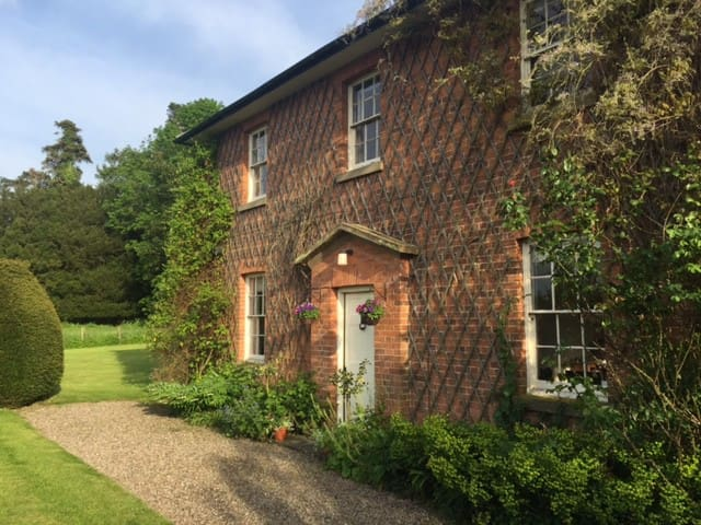 Lovely Georgian house, Weobley, Herefordshire - Weobley - Huis