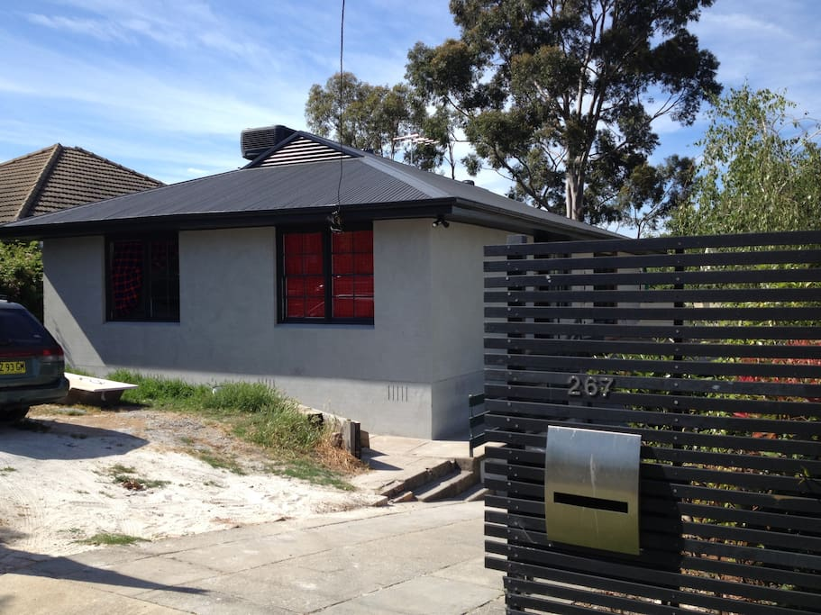 The House 15 minutes walk to central Albury