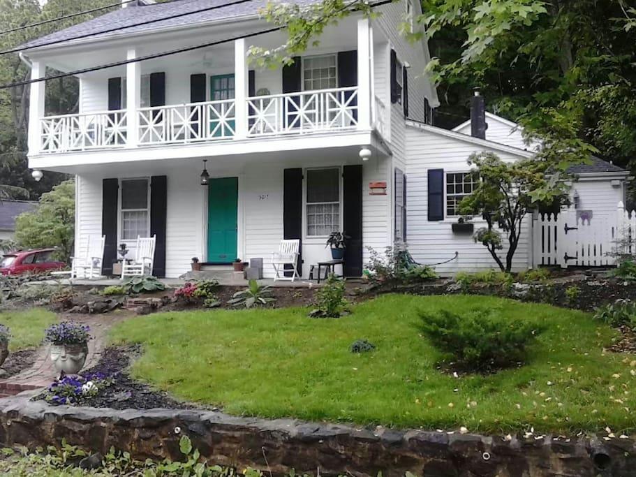 Front Yard House on the Gwynns Falls