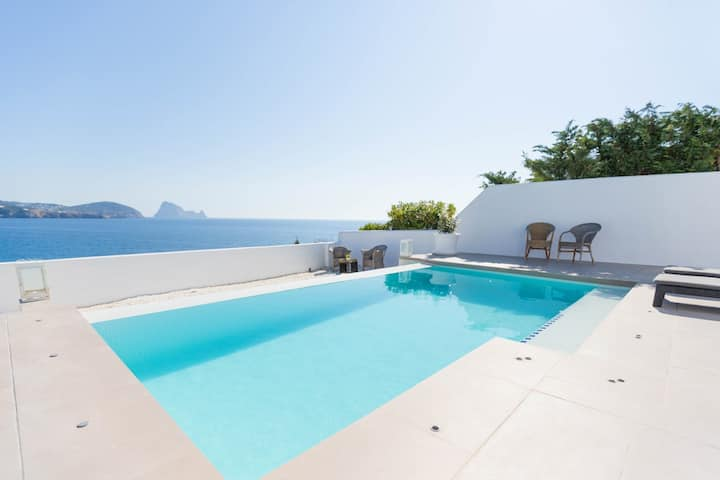 Excellent for families, sea views and Es Vedra