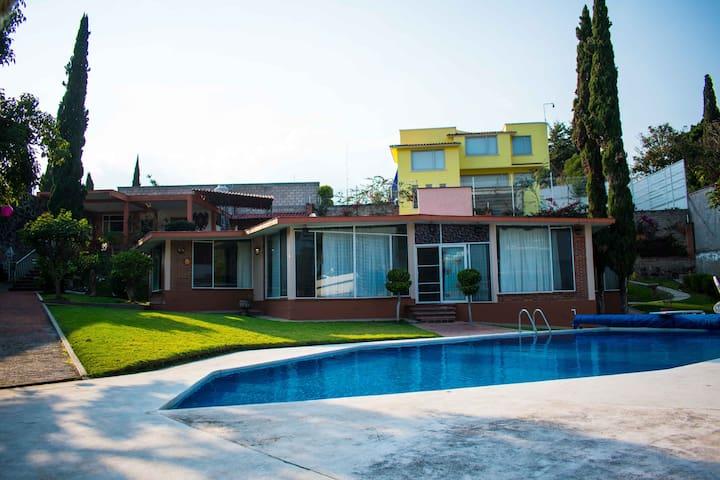 Quinta Huzomagelti (Alberca Privada y Areas Verde)