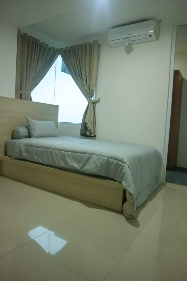 1 bedroom apartmen , clean , cozy ,  up to 4 ppl