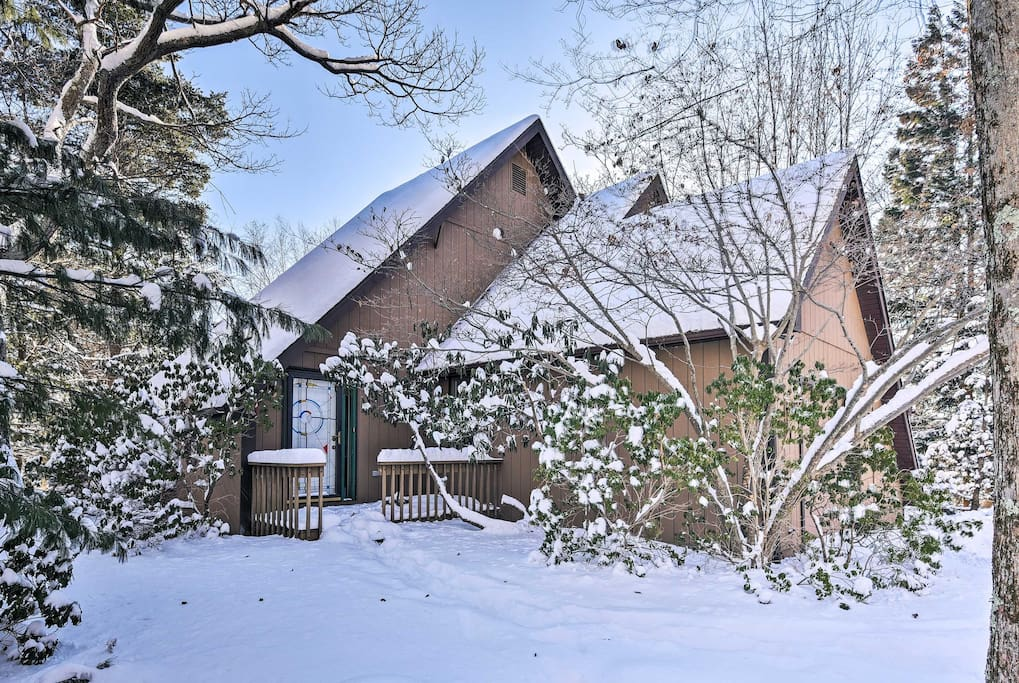 Tucked away on a wooded lot, this home makes it easy to reconnect with nature, along with your loved ones.