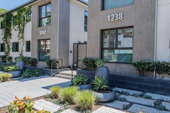 Brand New 1 Bedroom in the Heart Of Santa Monica. 7