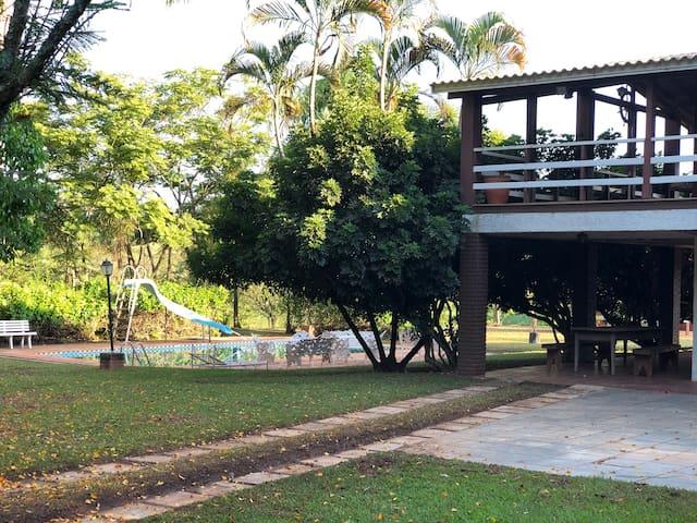 Sitio Buru - Lindo - 2 kms do Centro de Tatuí!