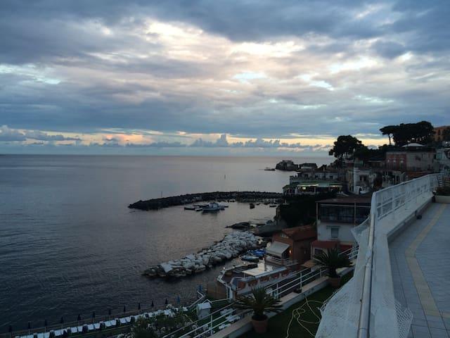 Villa in Marechiaro.....on the Sea