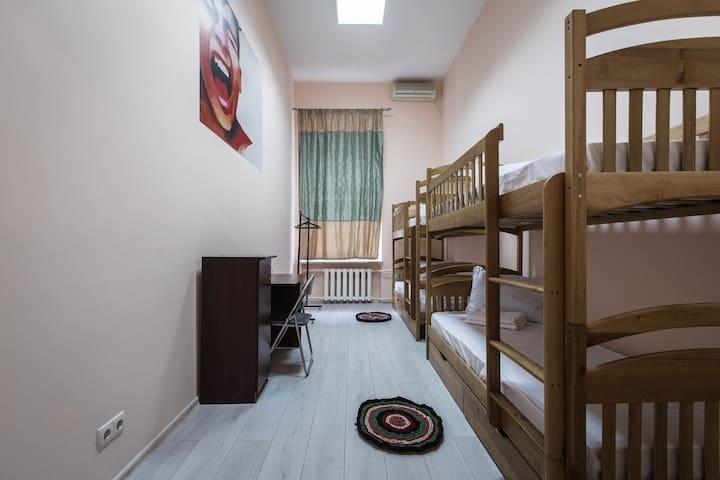 Место в 4х местном номере в хостеле
