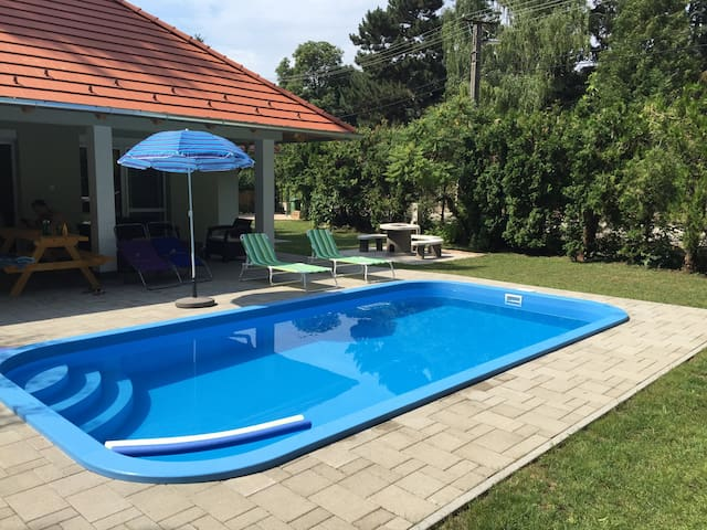 Fully equipped new modern House with Pool and A/C