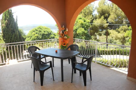 Elba: Arancio, Bilo con veranda vista mare - Capoliveri (LI) - Lägenhet