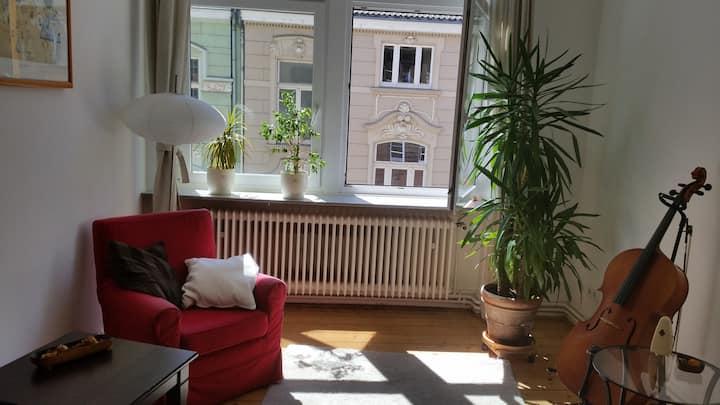 sonniges Altstadtzimmer